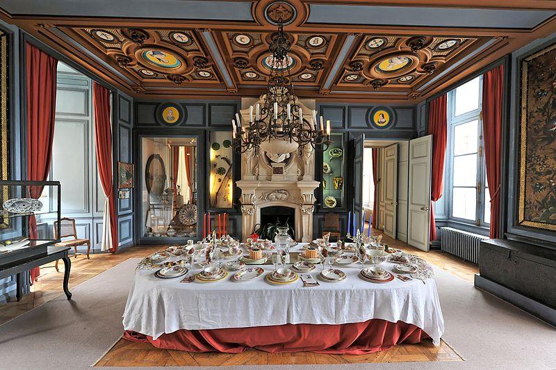 Photos le ch teau de la bussi re dans le loiret val de for Chateau chenonceau interieur