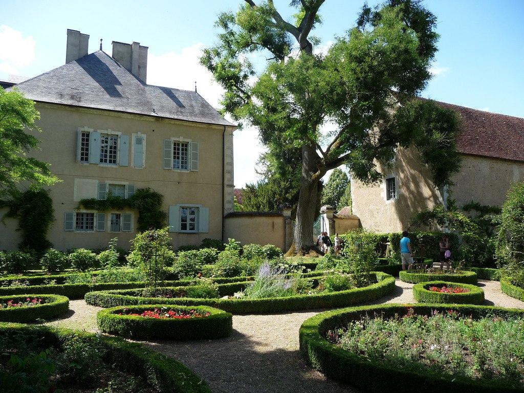Huit jardins secrets d couvrir en berry val de loire for Jardin secret des hansen
