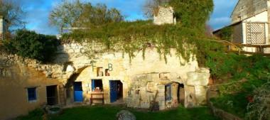 Les Maisons Troglodytes de Forges, un hameau à part !