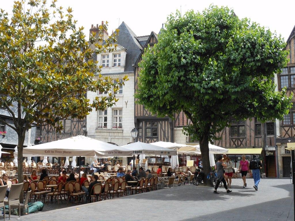 Photos De La Place Plumereau Tours Val De Loire