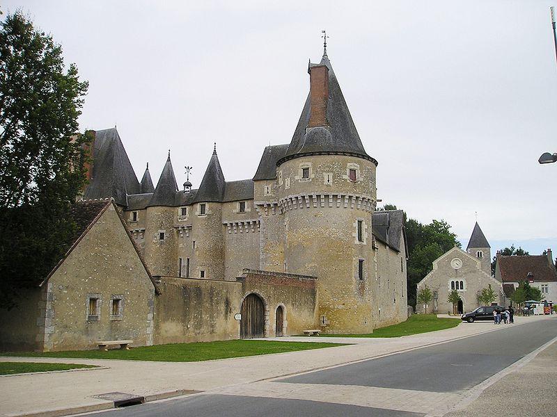 chateau-fougeres-sur-bievre-rensi