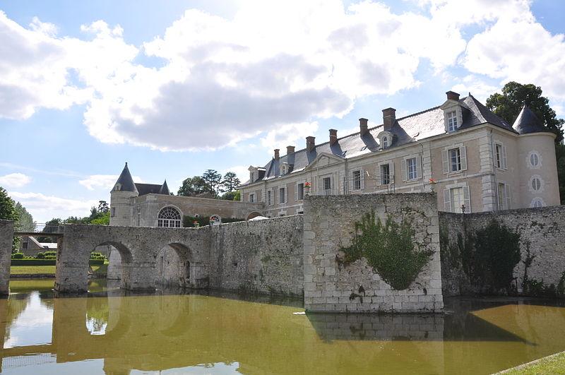 chateau-saint-denis-sur-loire-riviere-aaygues