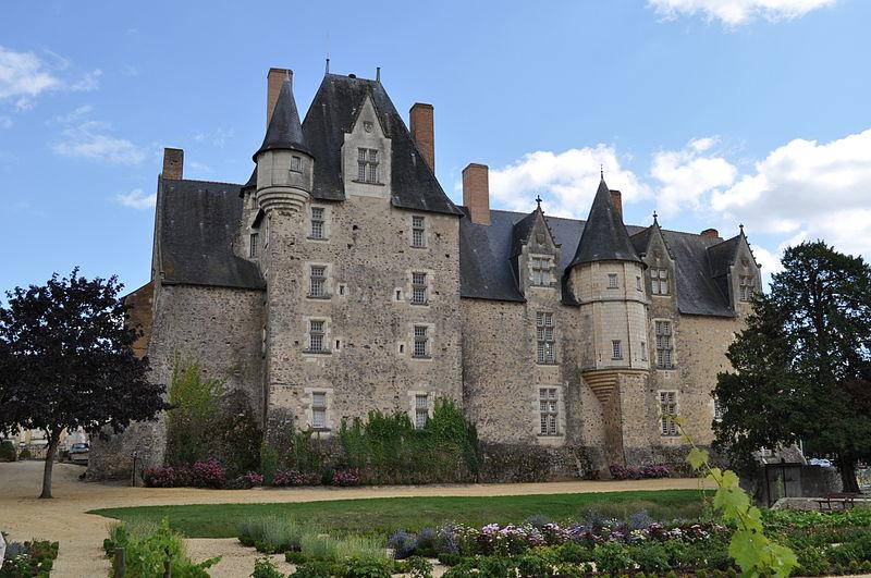 bauge-chateau-vue-arriere-Skouamemy-loire-valley