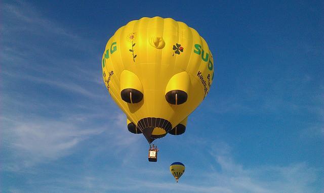 Montgolfière Ballon Coloré Démarrez - © harztec