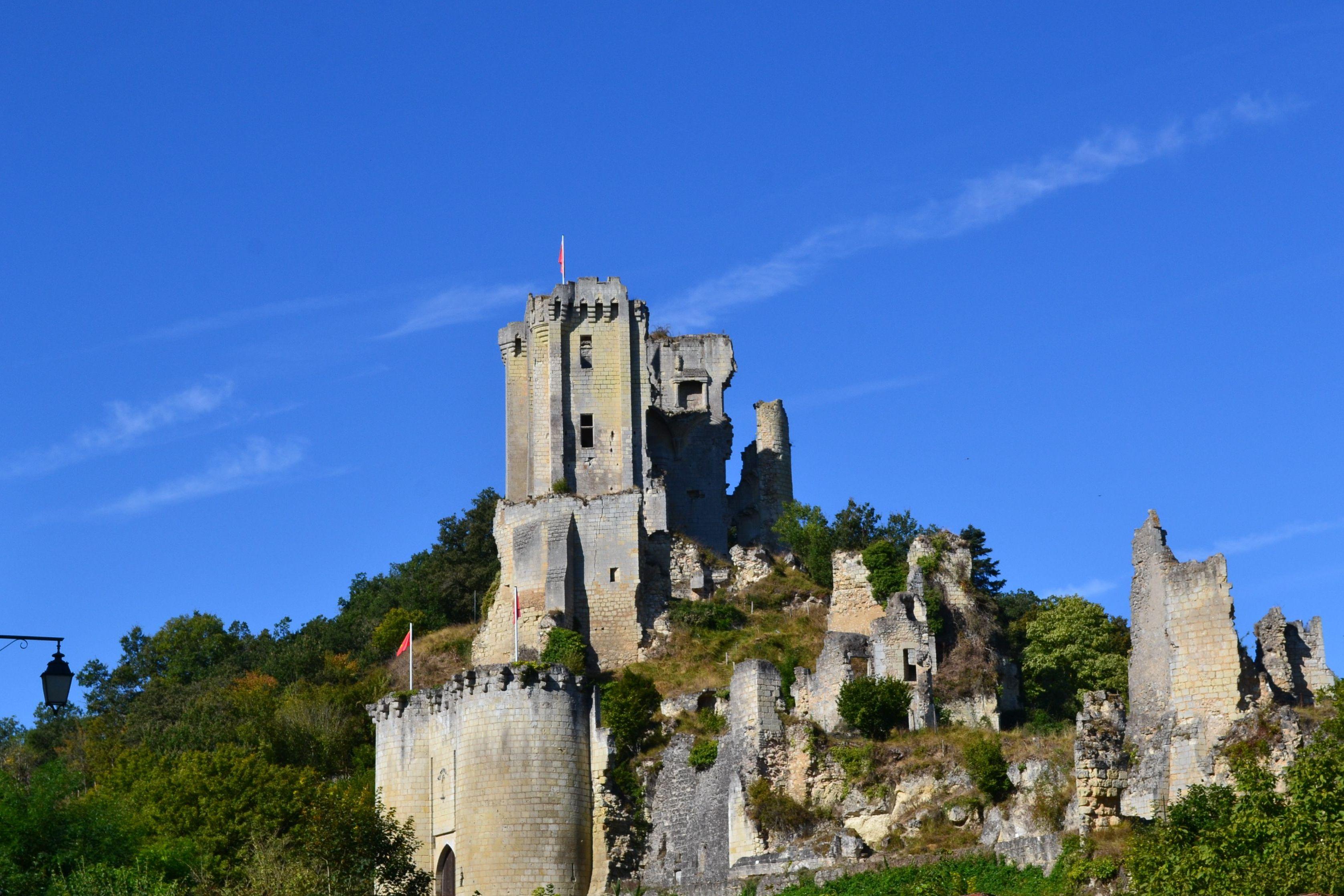 Ruines du château de Lavardin