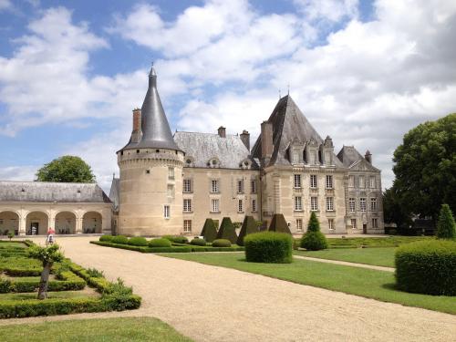 chateau azay ferron Matt Bond (Flickr CC)