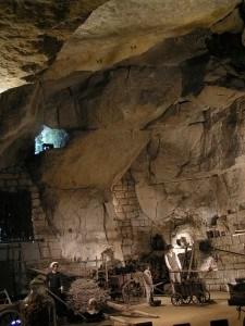 Troglo-tap-cave