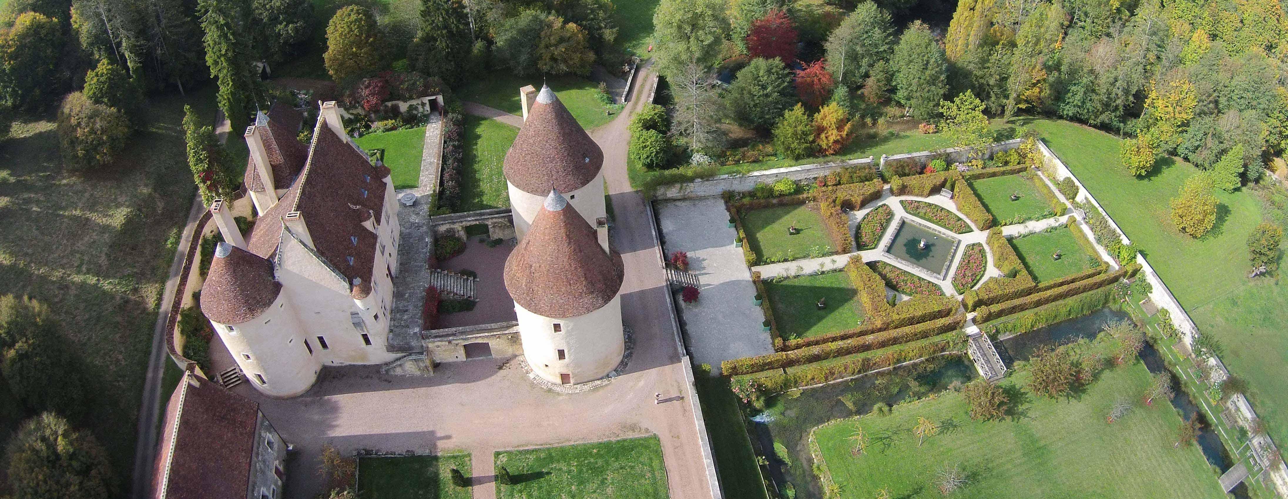 Les remarquables jardins du ch teau de corbelin val de loire for Jardin remarquable 2015