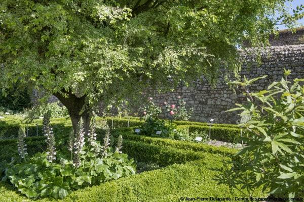 jardins-suspendus-chateau-dunois-chateaudun-cmn-01