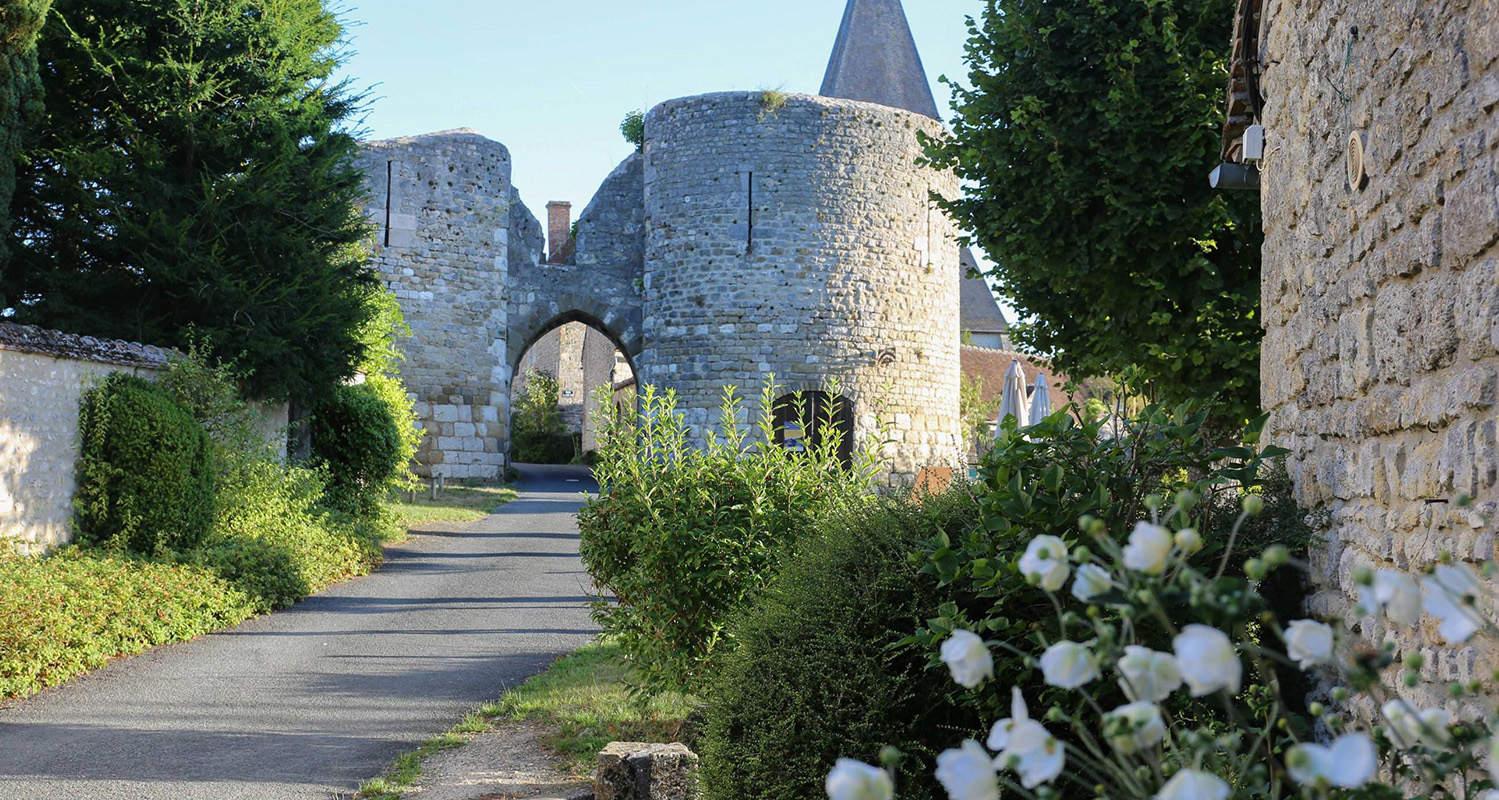 village-yevre-le-chatel-tourisme-loiret-armandine-rue