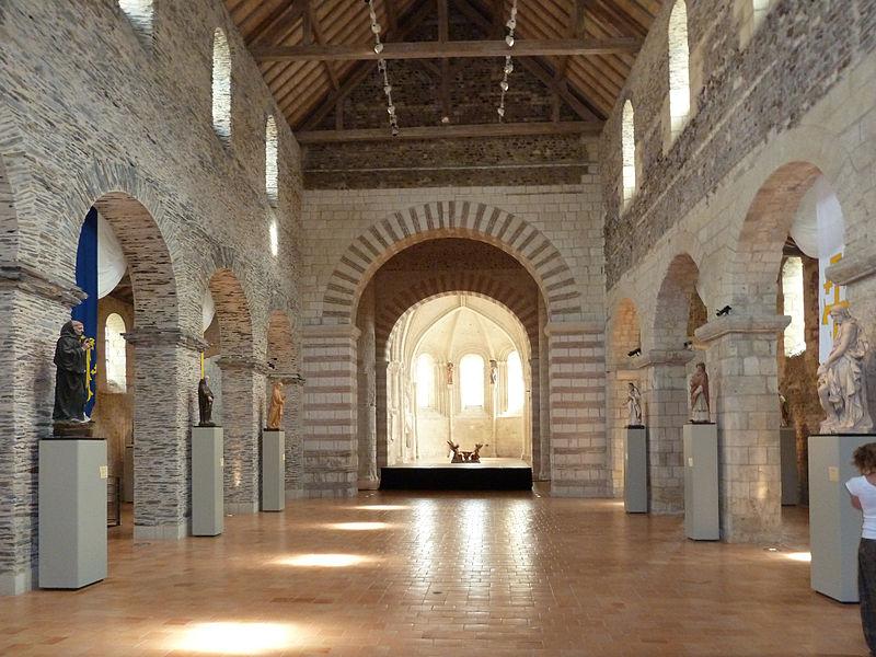 La Collégiale Saint-Martin credits to sémhur (cc) - My Loire Valley