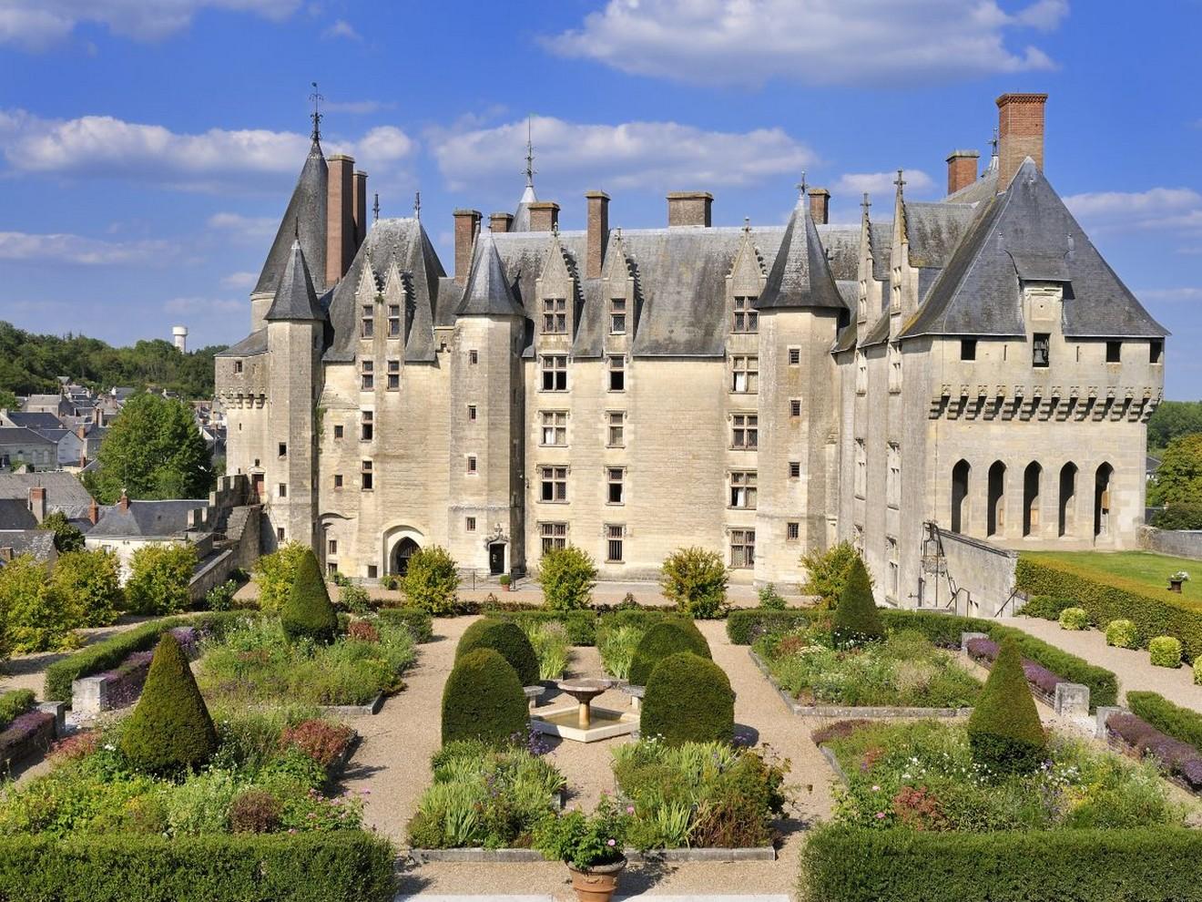 Château-de-Langeais-cour-intérieure-1©J.B