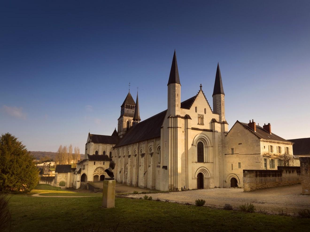 abbaye-royale-de-fontevraud-eglise-leonard-de-serres