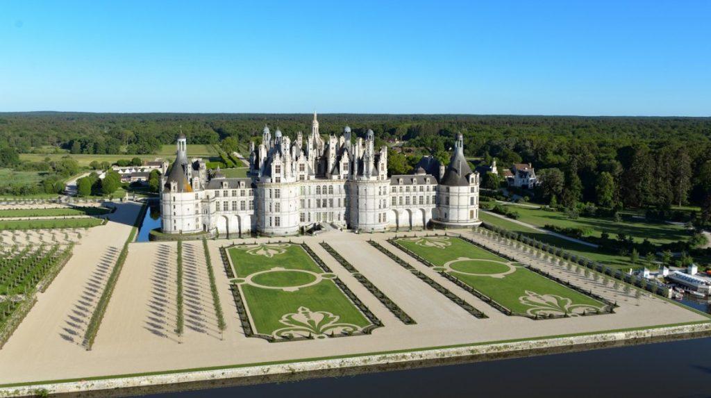 chateau-chambord-val-de-loire-myloire-valley-jerome-richard-1200x672