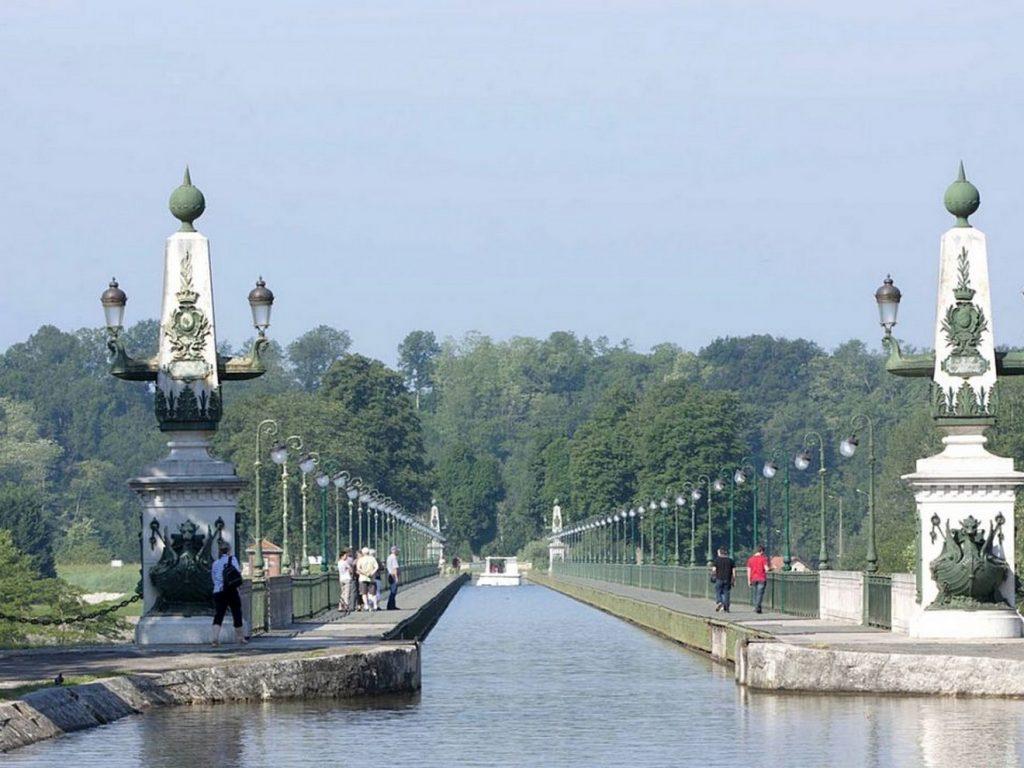 La loire fleuve sauvage val de loire for Pierre mabille le miroir du merveilleux