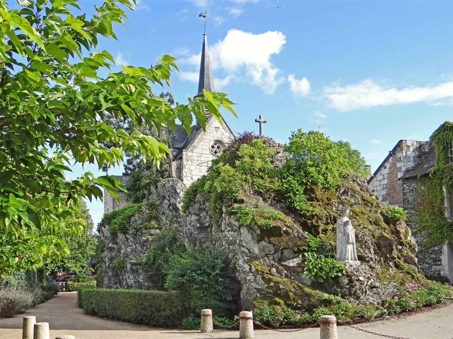 L'église_Notre-Dame_de_Béhuard - Jean-Pierre Dalbéra cc - My loire Valley