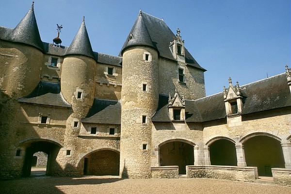 chateau-fougeres-(c)P. Duriez - CRT Centre-Val de Loire