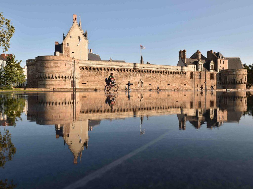 Miroir-d_eau-Carré-Feydeau-Nantes 1320x990