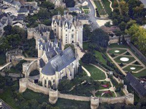 Château et église de Montreuil-Bellay par Lieven Smits