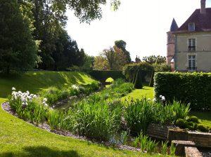 bordures iris_Parc et château Pesselières Credit Thomas Dupaigne