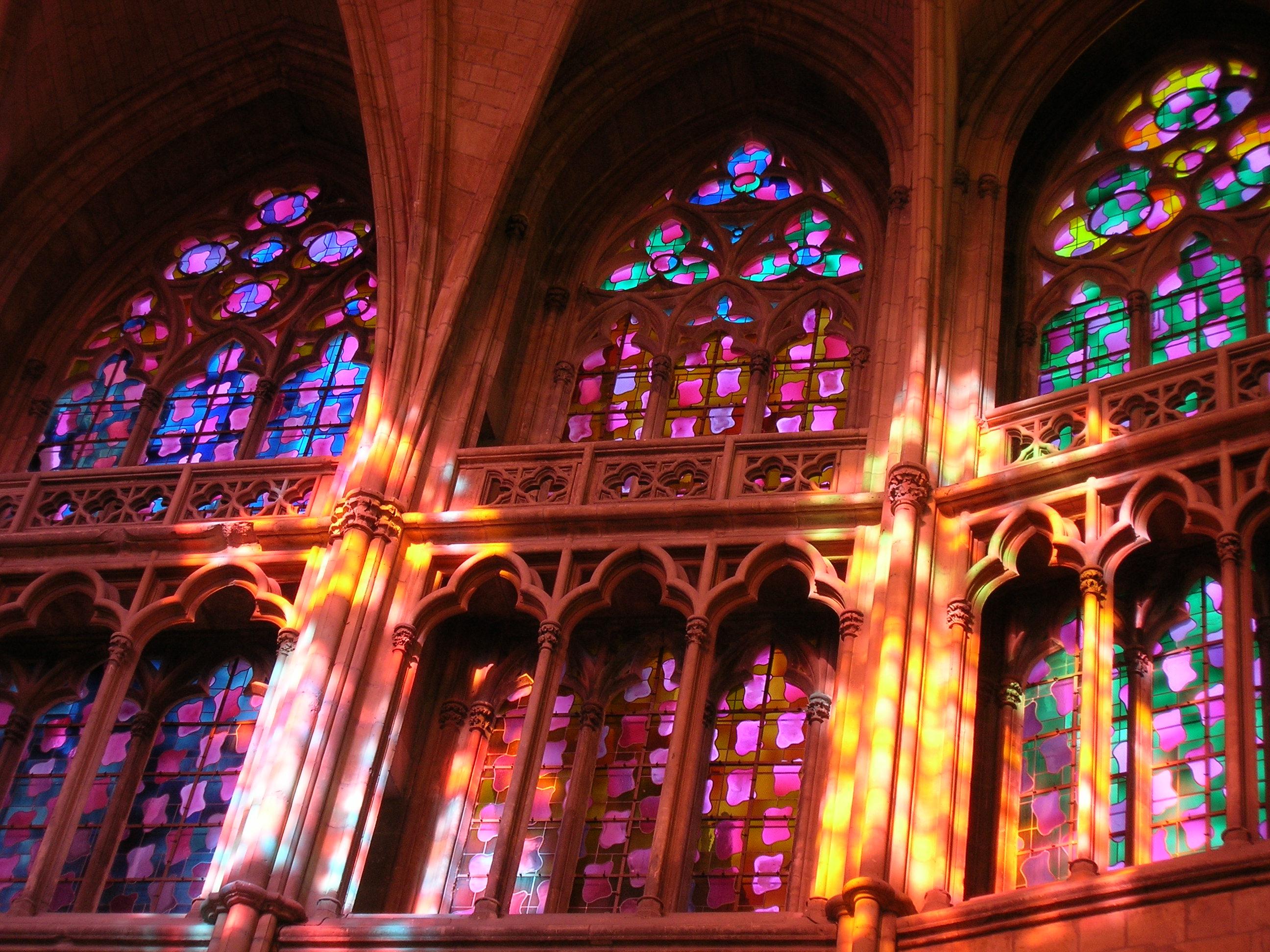 Nevers - Choeur gothique Claude Viallat (c) OTNR