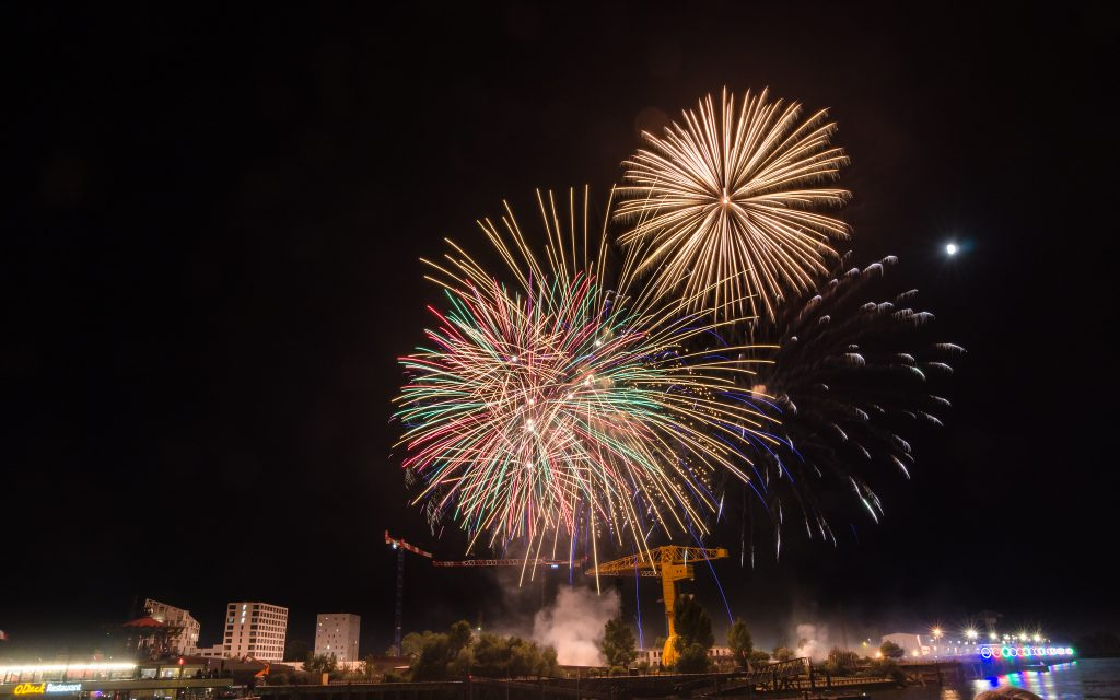 feu-artifice-nantes-2016-eric-lf-flickr-commons