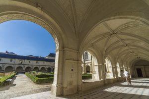 Cloître du Grand Mouthier - Abbaye royale de Fontevraud (© David Darrault)