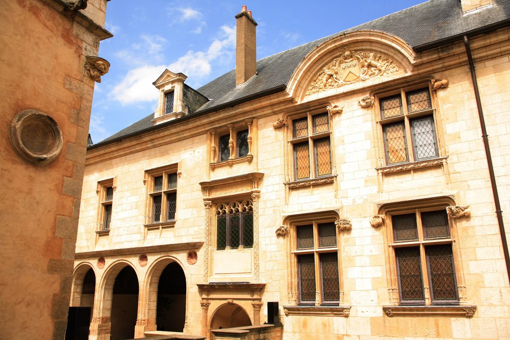bourges-hotel-lallemant-musee-arts-décoratifs-AD2T