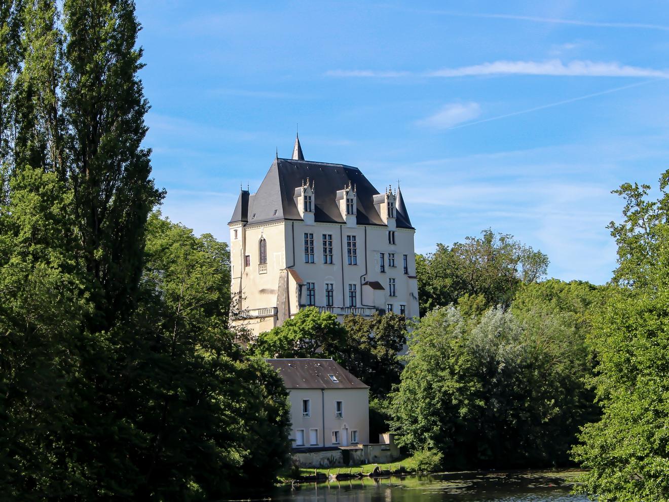 vue-chateau-raoul-chateauroux-c-boussole-voyageuse