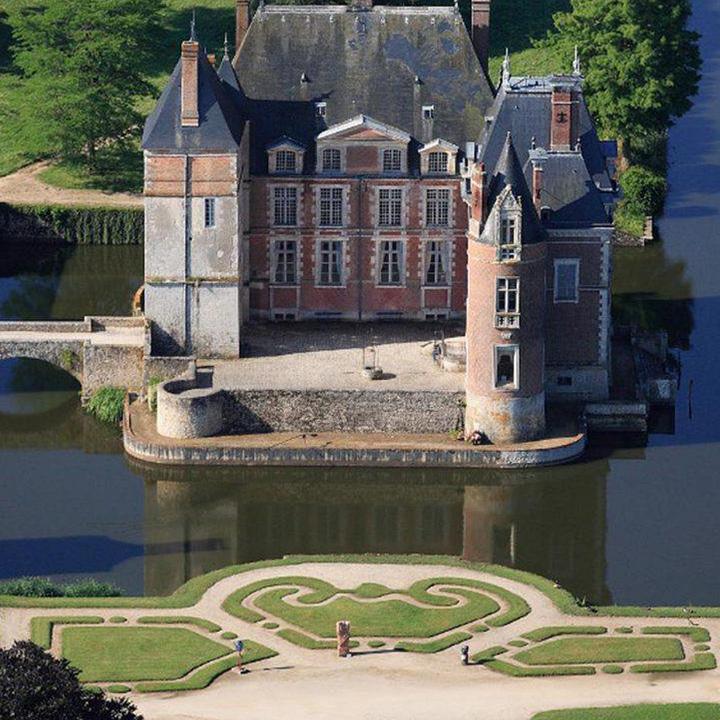 Chateau de la bussière dans le Loiret
