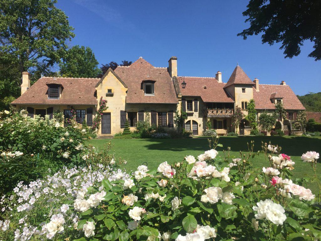 village-apremont-sur-allier-Maison Jardin Blanc