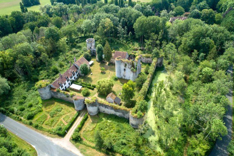 Château de Mez-le-Maréchal dans le Loiret