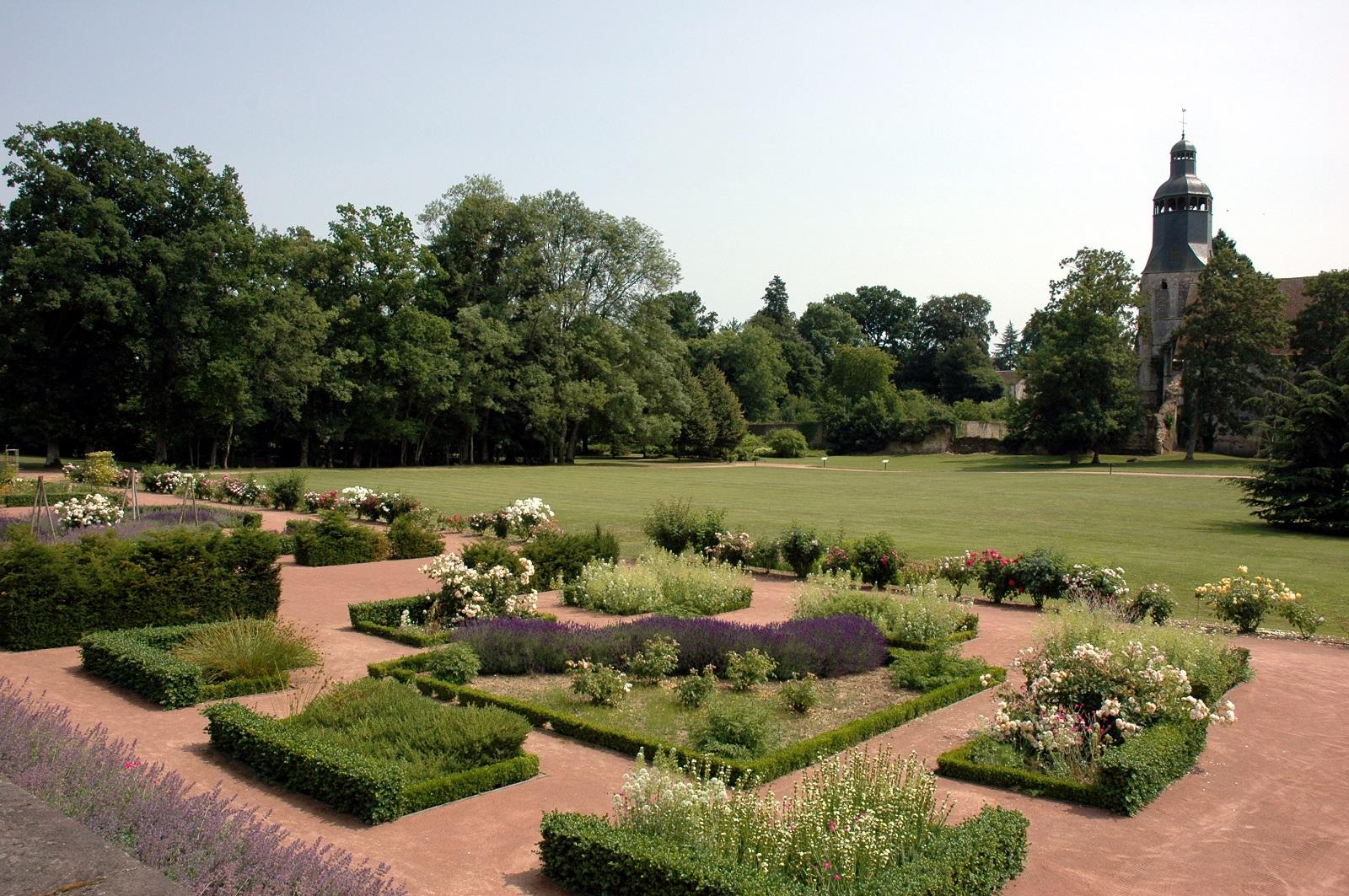 Jardins de l'abbaye de Thirons-Gardais