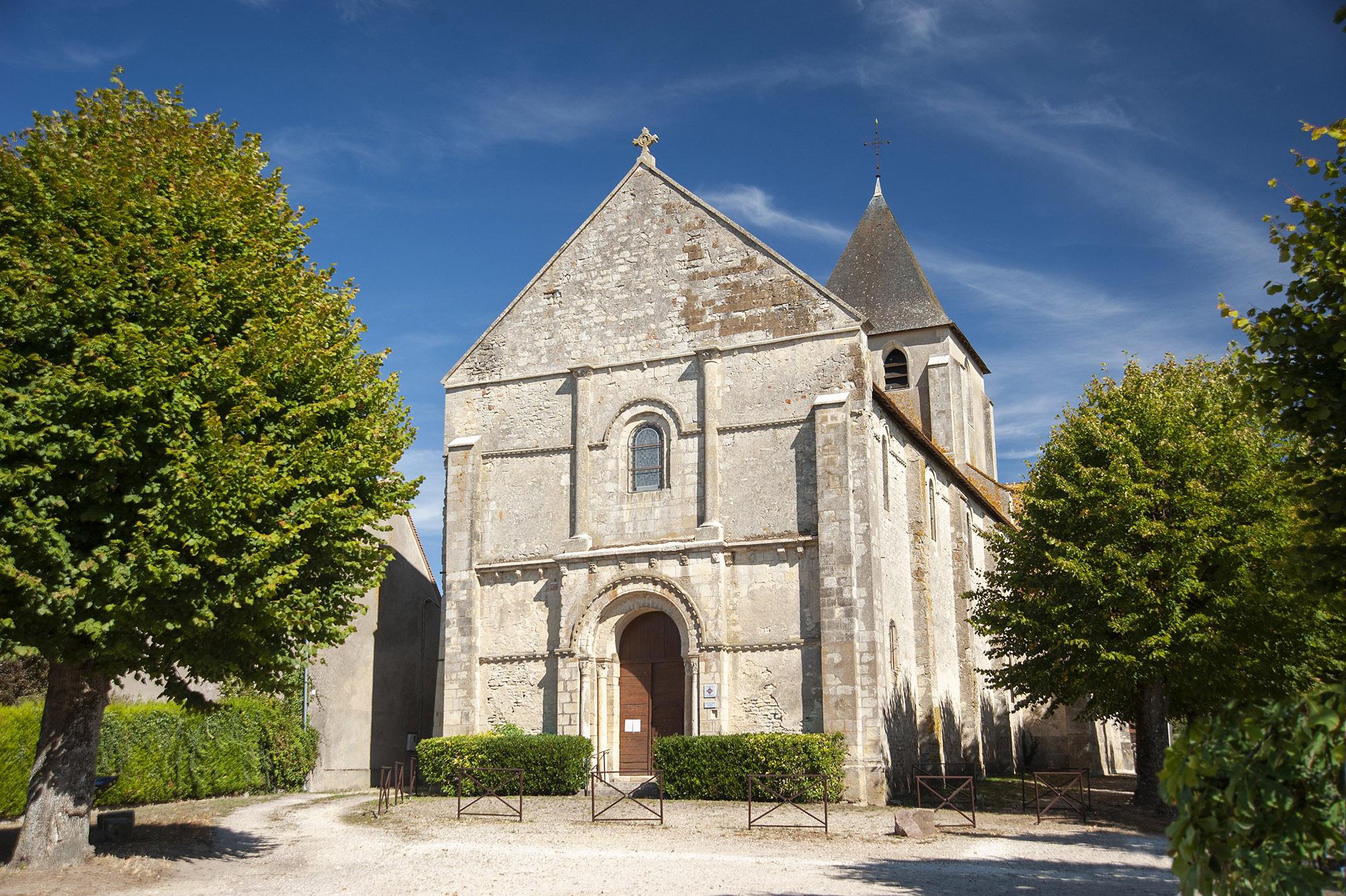 Eglise Saint Etienne du Gravier ©Pays Loire Val d'Aubois