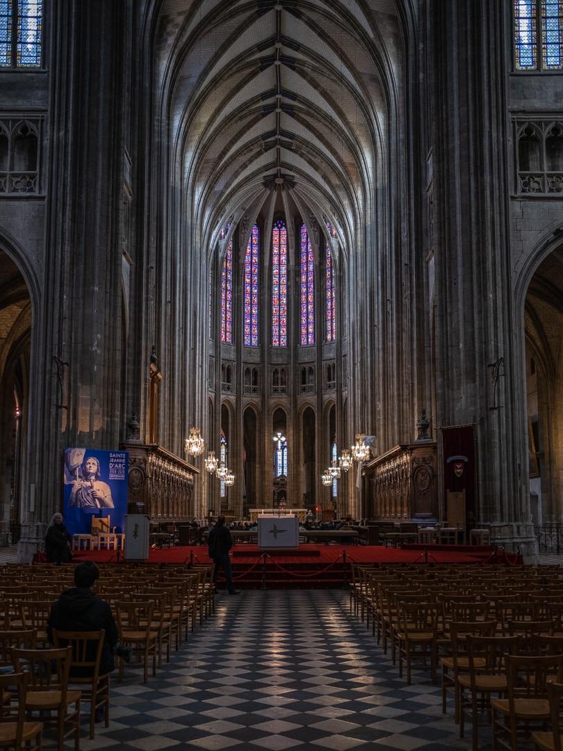 cathedrale-sainte-croix-orleans-nef-jonah-mucchiutti