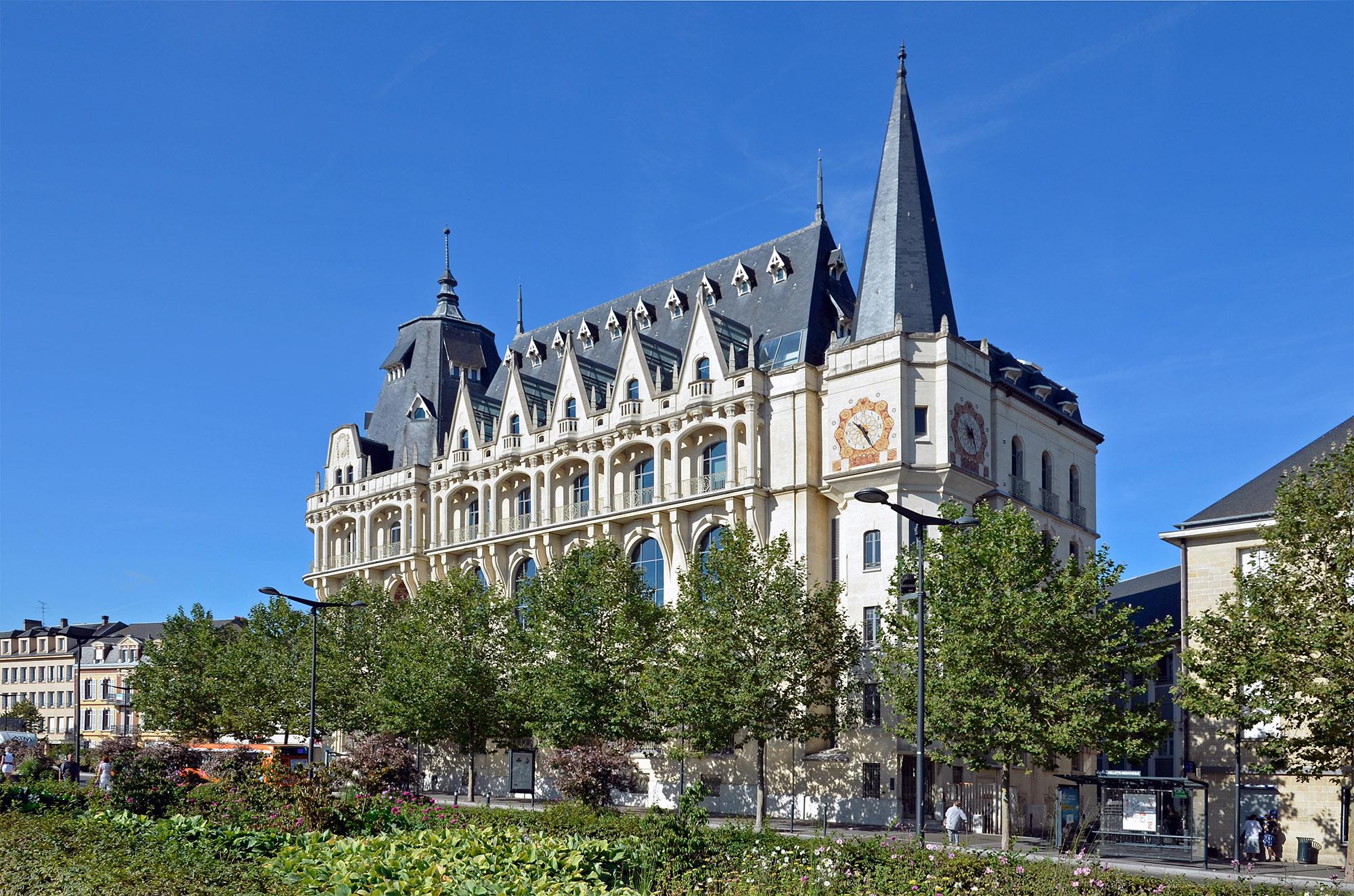 Hôtel des Postes à Chartres