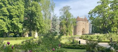 Découvrez le château familial d'Ainay-le-Vieil