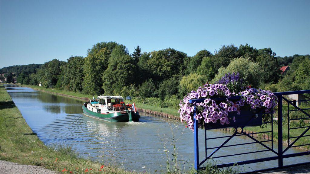 Le Canal Latéral à la Loire, Léré