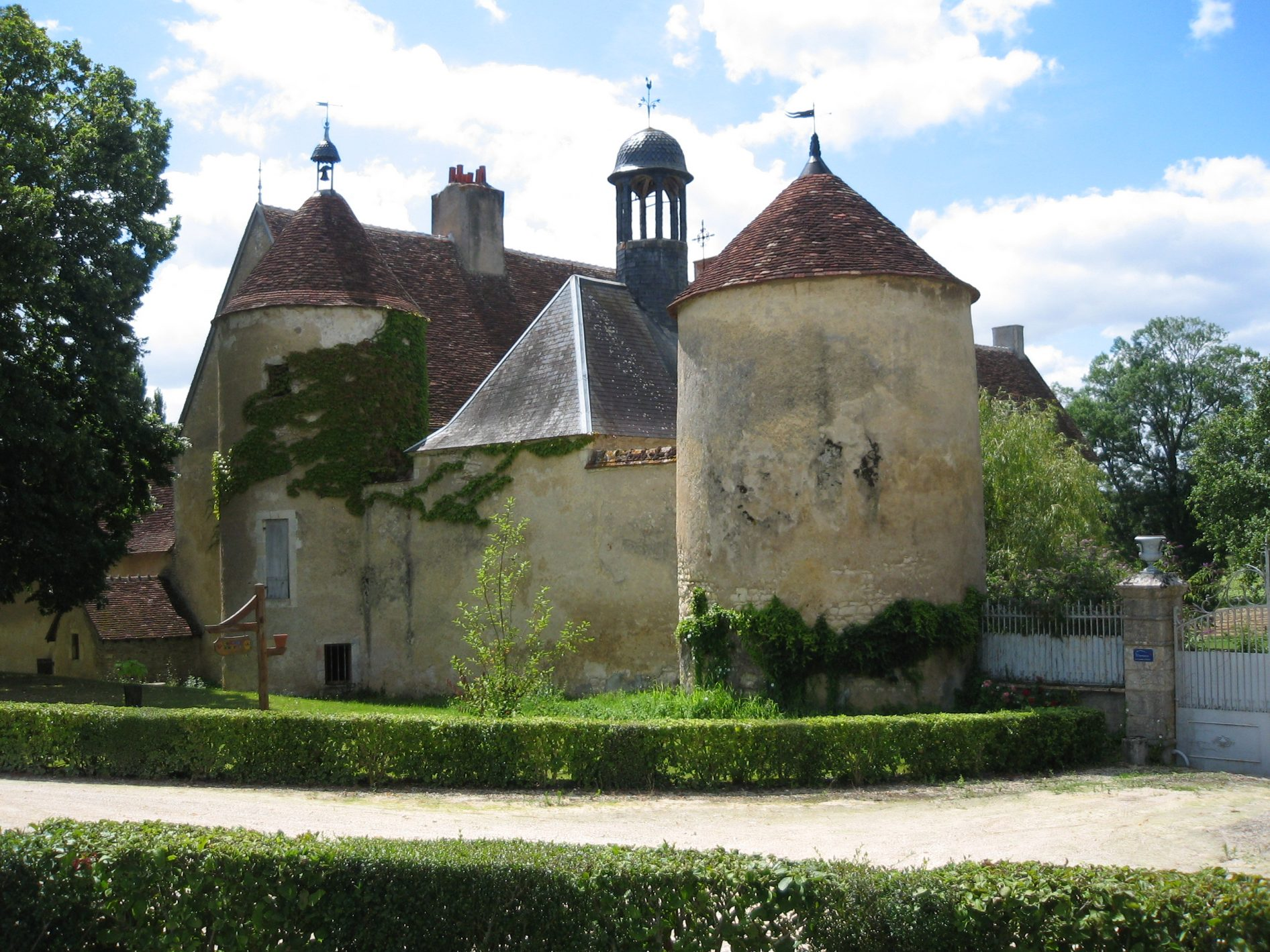vieux château de villeneuve