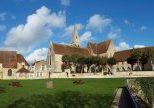 2560px-Ferrières_en_Gatinais-FR-45-abbaye-panoramic-01