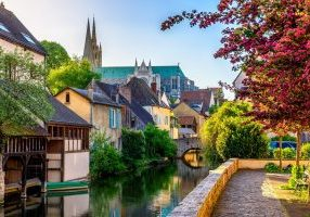 Chartres - Shutterstock