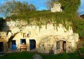 Couverture-maisons-troglodytes-Forges-Maison-bleu