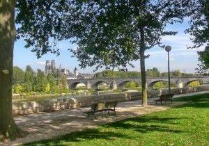 orleans-pont-royal-cathedrale-zebulon72-c0-1320x990
